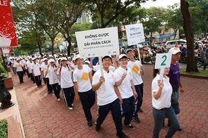 Hơn 500 học sinh tham gia 'Đi bộ an toàn' cùng Safe Kids và FedEx Expres