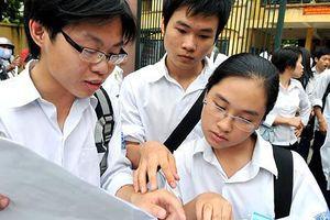 Ôn thi vào lớp 10 ở Hà Nội: 'Chạy đua' học thêm môn ngoại ngữ