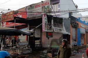 Tạm giữ đối tượng phóng hỏa đốt cửa hàng hoa khiến 2 người tử vong