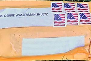 Cảnh sát Mỹ truy lùng kẻ gửi bom thư