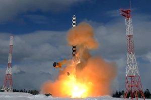 Nga biên chế 2 trung đoàn tên lửa mang đầu đạn siêu âm Avangard