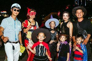 'Ma quỷ nhí' tràn ngập phố đi bộ Nguyễn Huệ trong đêm Halloween khiến nhiều người thích thú