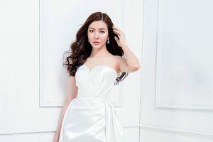 'Bản sao' Lý Nhã Kỳ đẹp ngây ngất lòng người trước thềm chung kết Miss Vietnam Worldwide 2018