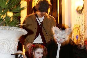 Vắng David Beckham, Victoria vui vẻ đón lễ Halloween cùng các con