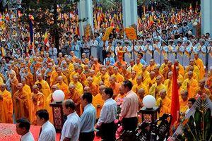 Thủ tướng: Không đâu có hàng vạn nhà thờ, nhà chùa như ở Việt Nam
