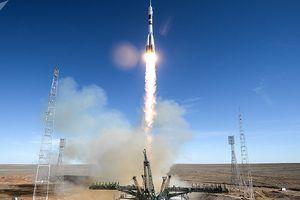 Khoảnh khắc mất kiểm soát trong vụ phóng tàu không gian Nga thất bại