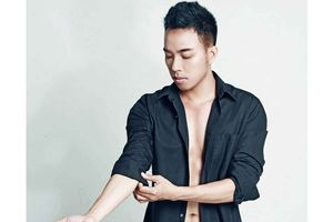 37 tuổi chưa lấy vợ, Nguyễn Hồng Thuận bị nghi ngờ về giới tính