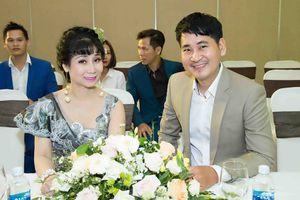 Uyên Thảo tạm hoãn đám cưới với chồng đại gia để lấn sân ca hát