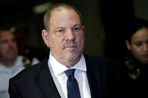 Sốc với đơn tố cáo 'ông trùm Hollywood' tấn công tình dục mẫu teen