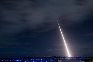 Sẵn sàng rút khỏi INF, Mỹ trổ tài bắn hạ tên lửa đạn đạo tầm trung