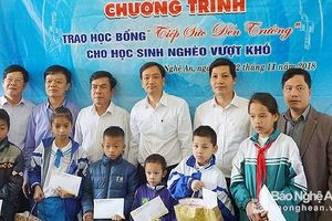 Chắp cánh ước mơ, tiếp sức đến trường cho 30 học sinh nghèo Nghệ An