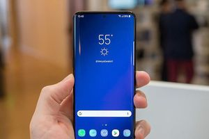 Ngắm nhìn concept Samsung Galaxy S10 với màn hình tràn viền, có nốt chấm