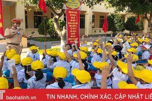 'Doraemon với An toàn giao thông' đến với học sinh Tiểu học Thạch Châu