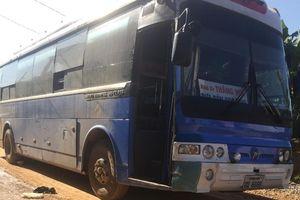 Lái xe Thắng Huế cán chết nữ sinh đứng cửa xe bị ngã khi đến trường