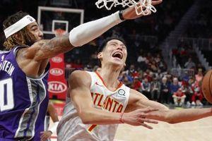 'Đại bàng gãy cánh', Hawks thua thảm hại trước Kings