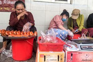 Sau 3 tháng nổi đình nổi đám, mâm cua tiền triệu của dì Ba Sài Gòn giờ đây chỉ còn lác đác khách ghé mua