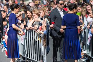 Công nương Meghan Markle gây shock khi khoe vòng 3 với váy xuyên thấu trước công chúng