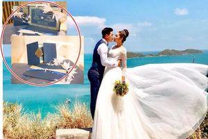 Lộ thiệp cưới độc đáo, cực sang trọng của Hoa hậu Đại dương và chồng doanh nhân