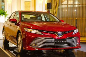 Thông số kỹ thuật Toyota Camry 2019 bản 2.5V, giá gần 1,1 tỷ đồng
