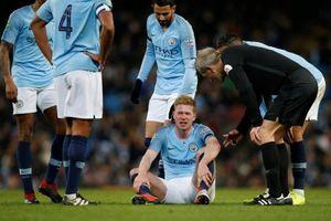 Man City lo 'sốt vó' khi De Bruyne tái phát chấn thương ở League Cup