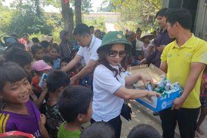 Báo Nhân đạo và Đời sống trao gần 200 suất quà cho đồng bào vùng cao Quảng Bình