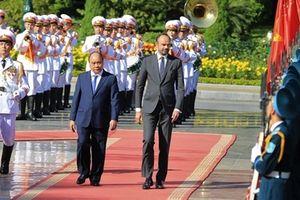 Thủ tướng chủ trì lễ đón chính thức Thủ tướng Pháp Édouard Philippe