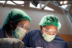 Rùng rợn nhân viên bệnh viện câu kết với băng nhóm tội phạm lấy trộm mắt của bệnh nhân
