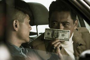Châu Nhuận Phát và Quách Phú Thành bắt tay trong 'Phi vụ tiền giả'