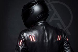 Áo bảo hộ phát quang đầu tiên dành cho biker
