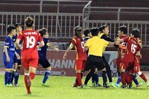 6 nữ cầu thủ ẩu đả không được đề cử danh hiệu Quả bóng vàng Việt Nam 2018