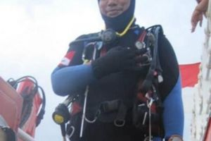 Thợ lặn không nổi lên khi tìm nạn nhân vụ máy bay Indonesia rơi