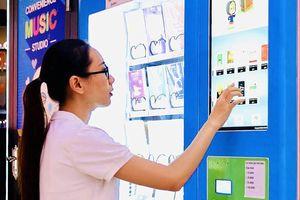 Khai trương máy bán sách tự động đầu tiên tại TPHCM