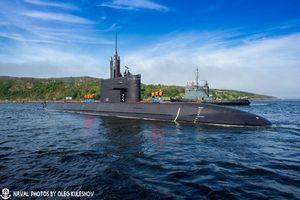 Mê mẫn vẻ đẹp tàu ngầm tấn công mạnh nhất Hải quân Nga