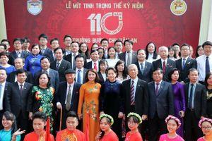 Tự hào truyền thống trường Bưởi - Chu Văn An, ngôi trường xuyên thế kỉ