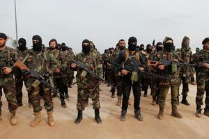 Syria: Phiến quân do Mỹ 'chống lưng' nhận viện trợ từ Iran, chĩa mũi súng về phía Israel