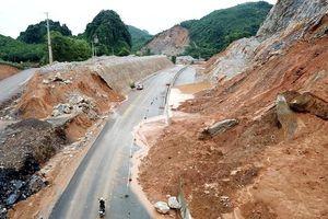 Chuyên gia hiến kế cách ngăn đường cao tốc vừa xây đã sụt lún