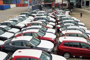 Vụ buôn lậu 133 xe BMW: Hoãn xử vì bị cáo sinh con