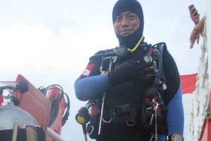 Thợ lặn tìm kiếm máy bay Indonesia thiệt mạng