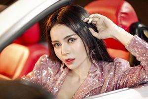 Kim Thành khổ sở vì mượn ô tô của Á hậu Hà Thu để làm MV mới
