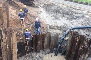TPHCM: Nhiều hộ dân bị mất nước do ống nước bị rò rỉ