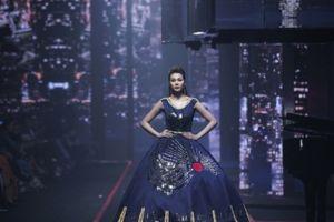 Nghẹt thở trước vẻ lộng lẫy của show trang sức quy mô bậc nhất Việt Nam