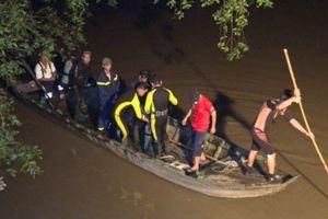 Sau va chạm giao thông, nữ sinh rơi xuống sông mất tích