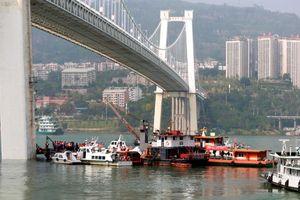Nguyên nhân 'cực sốc' vụ xe buýt rơi xuống sông khiến ít nhất 13 người thiệt mạng