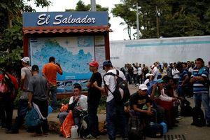 Hàng trăm người di cư El Salvador đang tiếp tục tiến về nước Mỹ
