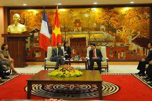 Quan hệ hợp tác giữa Hà Nội với các địa phương của Pháp ngày càng phát triển
