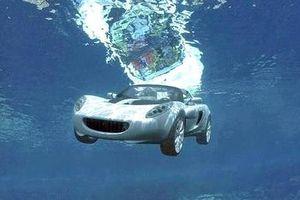 Các kỹ năng thoát hiểm khi ô tô lao xuống nước