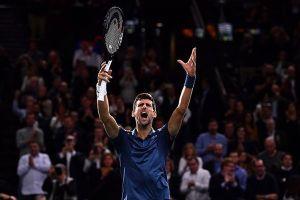 Bán kết Paris Masters: Djokovic chặn đứng Federer chạm mốc 100 chức vô địch