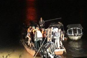 Vụ xe Mercedes lao xuống sông Hồng: Nạn nhân tử vong đều là nữ