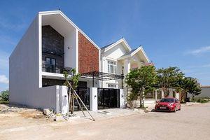 Ngắm nhà 2 tầng ngập nắng ở Quảng Bình