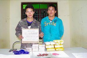 Bắt hai đối tượng người Lào vận chuyển ma túy qua biên giới